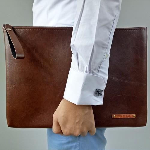 LARGE BROWN CLUTCH