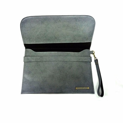 MEDIUM BELT GREY CLUTCH